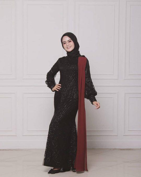 Brokat Hitam - sriastiawahyuni - d palais moda exclusive