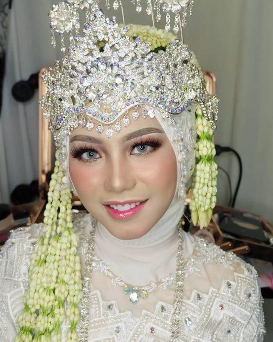 Rias Pengantin Sumedang dan Mua Sumedang dari heikamu.com - andreinamakeup_