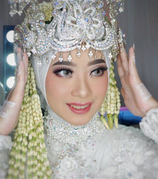 Rias Pengantin Sumedang dan Mua Sumedang dari heikamu.com - ninukmakeup_